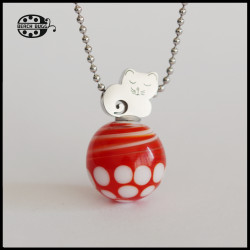 M2.5 cat pendant with necklace