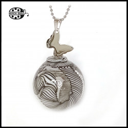 M2.5 butterfly pendant with necklace