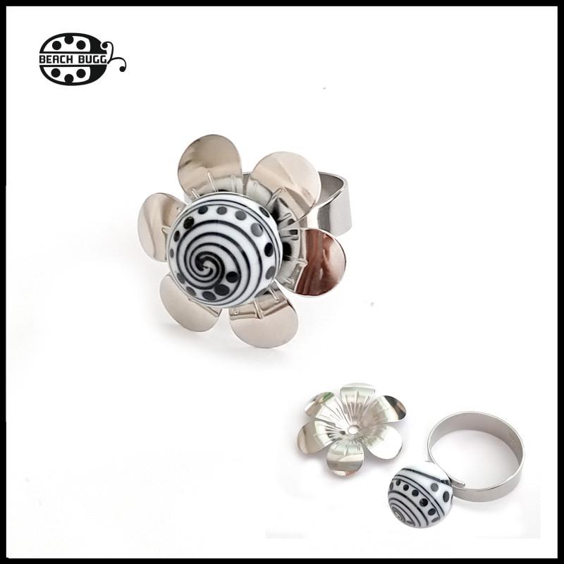 virágos M2.5 állítható gyűrű - kis gyöngyökhöz