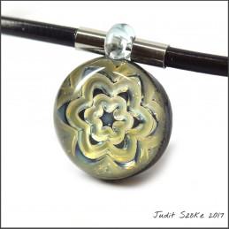 uniq flower glass pendant